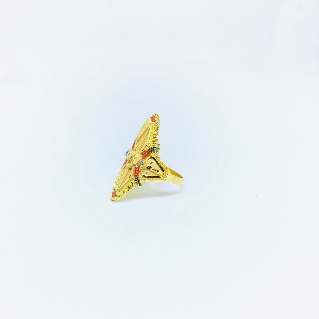 FANCY GOLD RING FOR LADIES