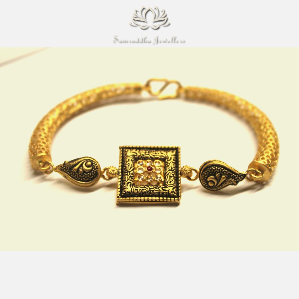 916 Gold Antique Studded With Polki Ladies Bracelet SJ - B003