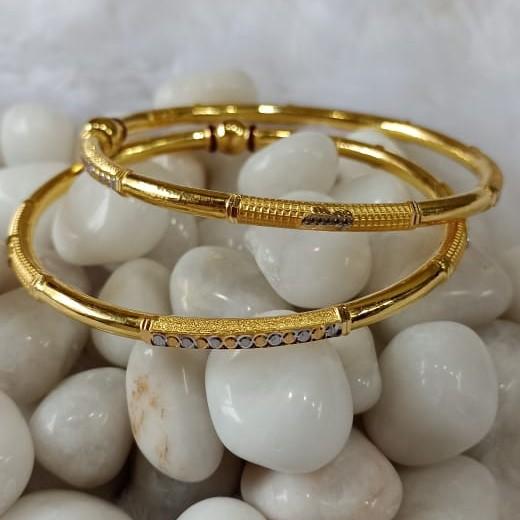 916 Ladies Gold Classic Cooper Bangle SG63