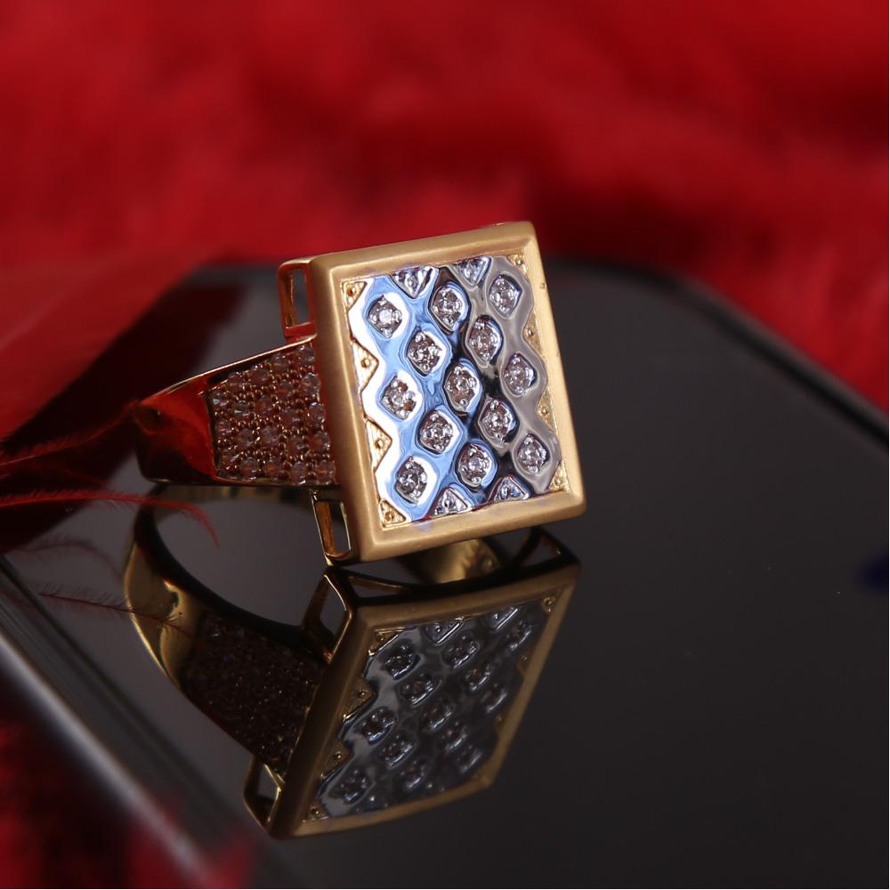 916 GOLD CZ DIAMOND SQUARE GENTS RING