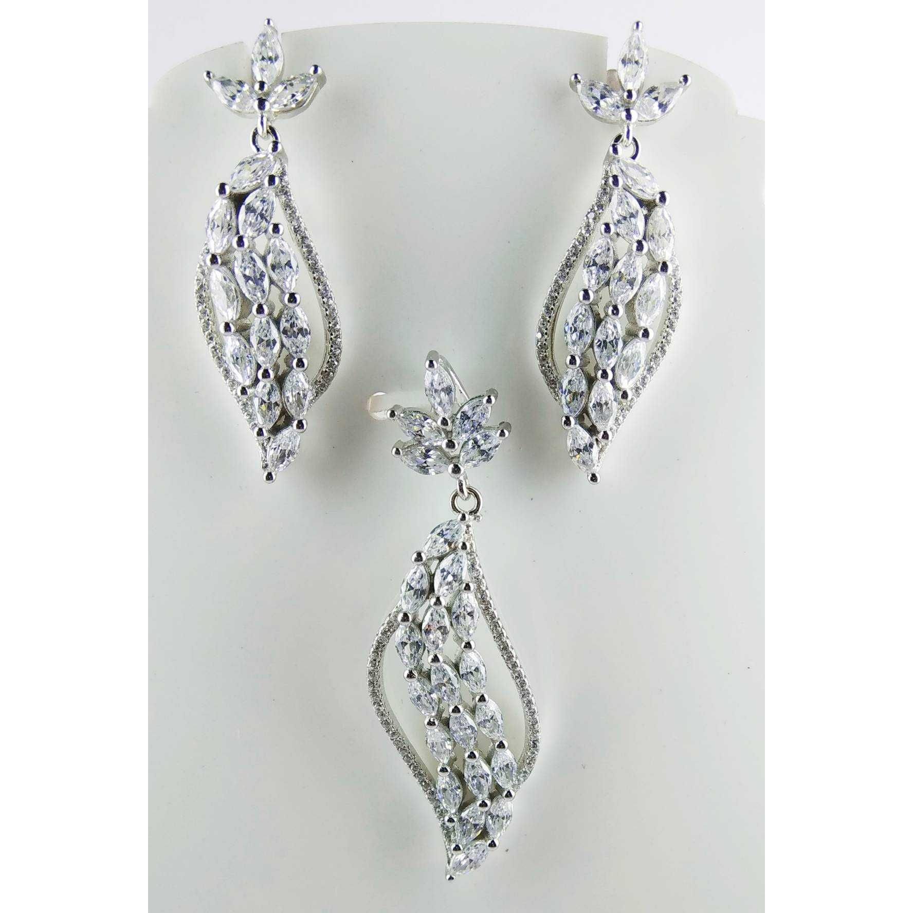 Latest Designed Light Wieght 925 Silver Pendant Set