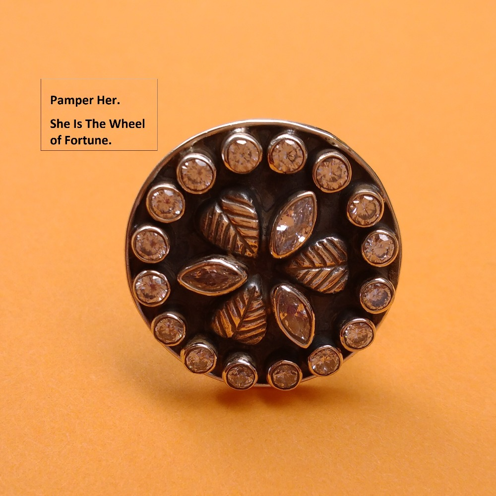 Puran Antique silver fancy Round cutstone ring for ladies