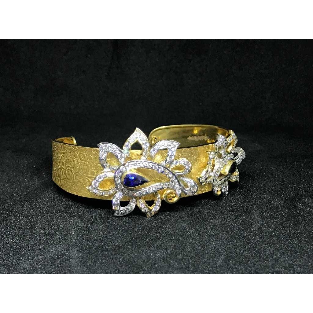 18k Ladies Fancy Gold Kada K-51038