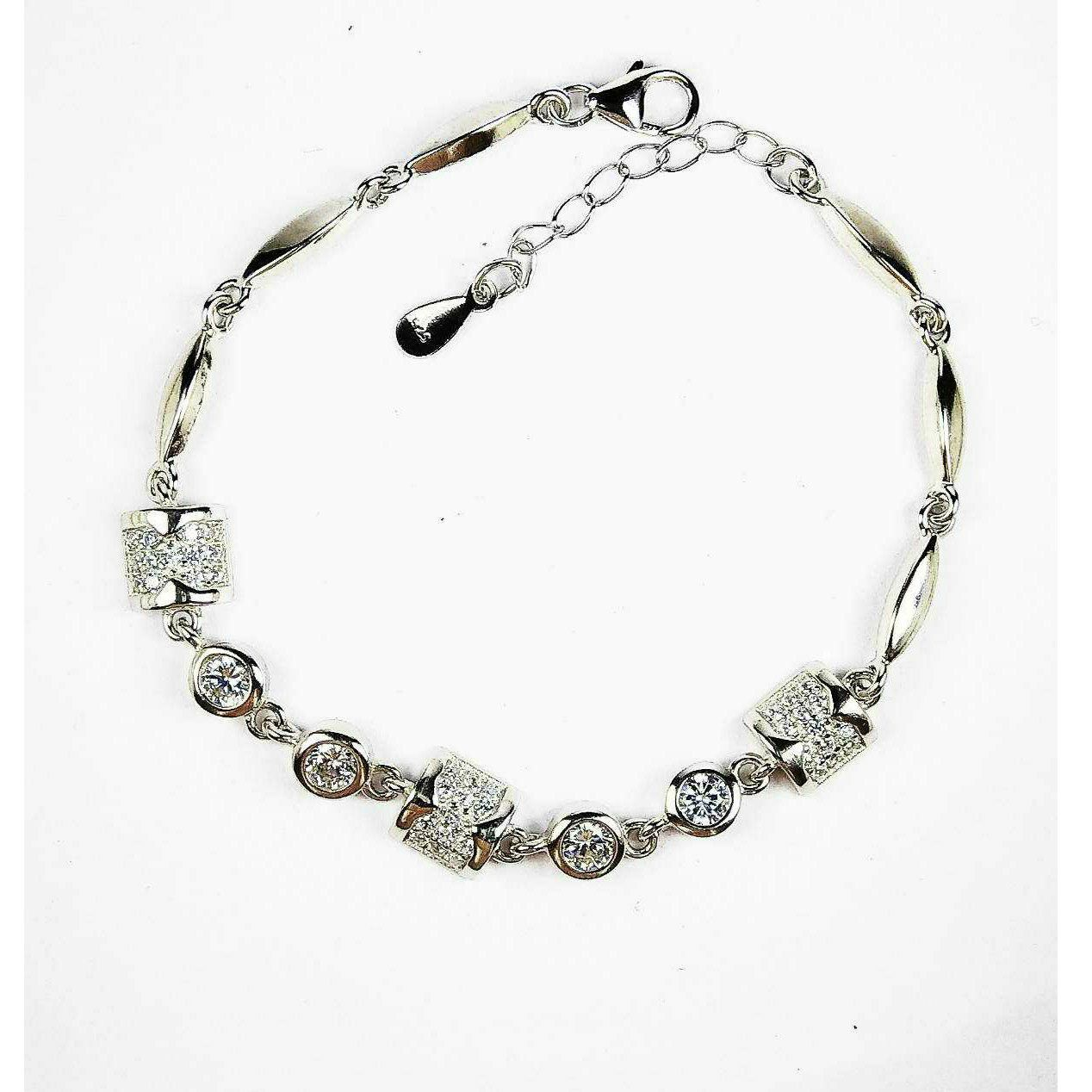 Fancy 925 Silver Ladies Bracelet With Stones