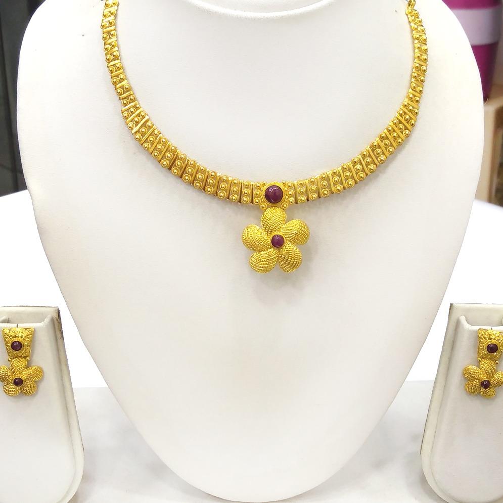 916 Gold Delicate Flower Design Necklace Set RJ-N011