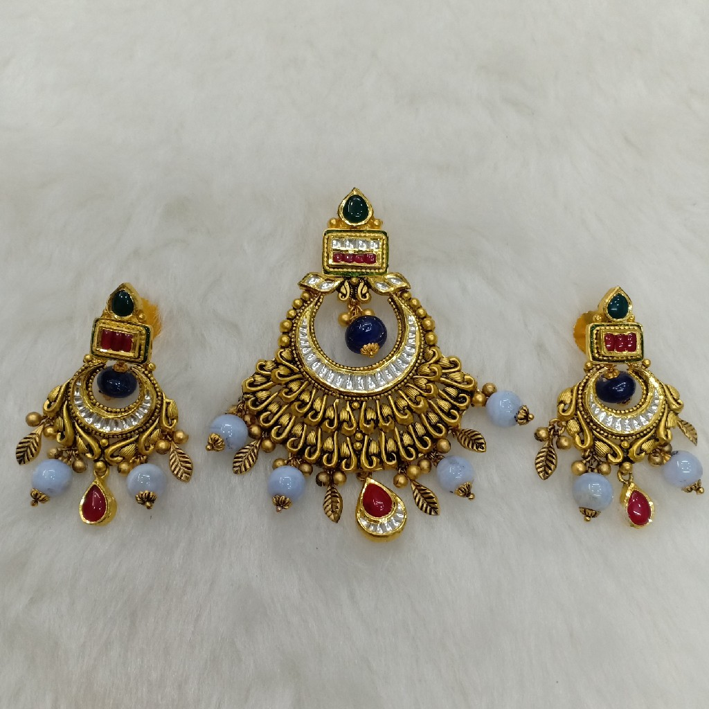 22k  antique pendant set