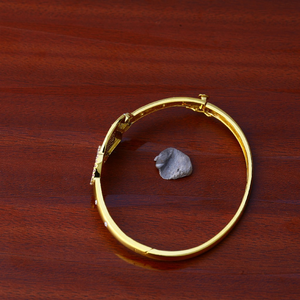 18kt Gold Color Stone Bracelet LKB93