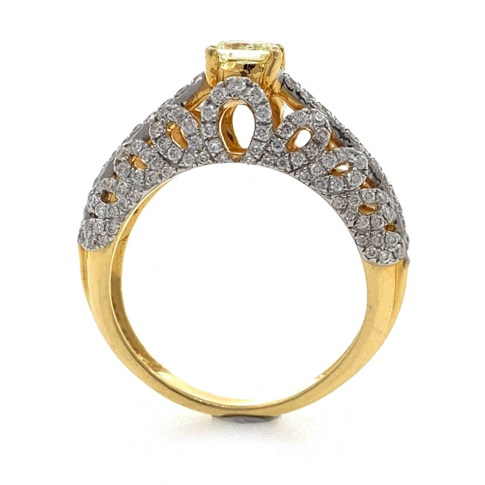 18kt / 750 yellow gold designer solitaire engagement diamond ring with yellow diamond 8lr21