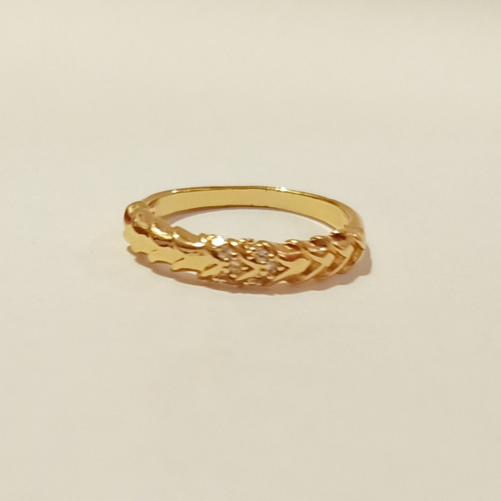 delicate dimond ring