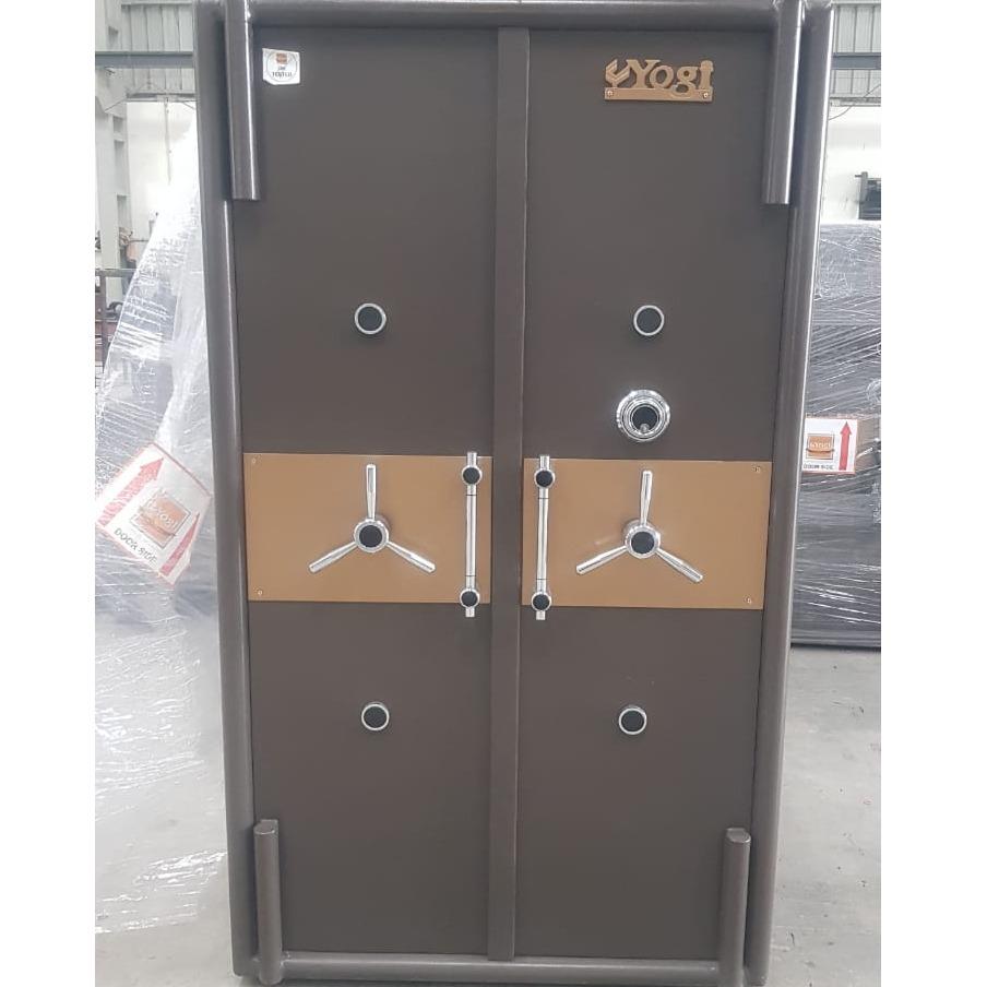 Double door jwellery safe locker