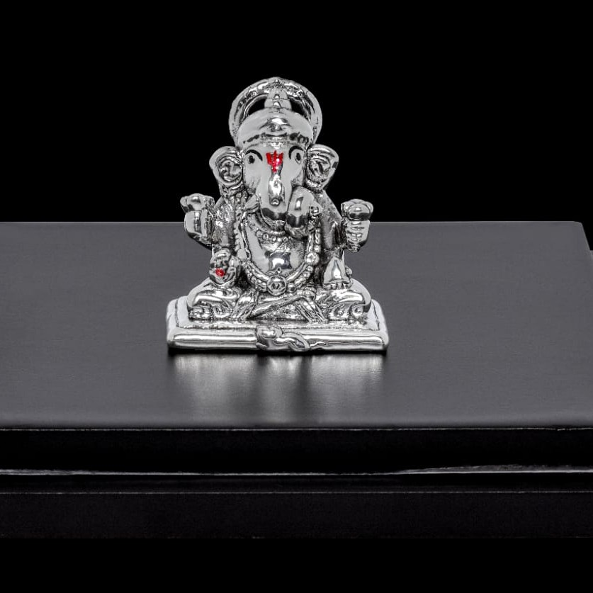92.5 Sterling Silver Ganesha Statue In Sitting Pose
