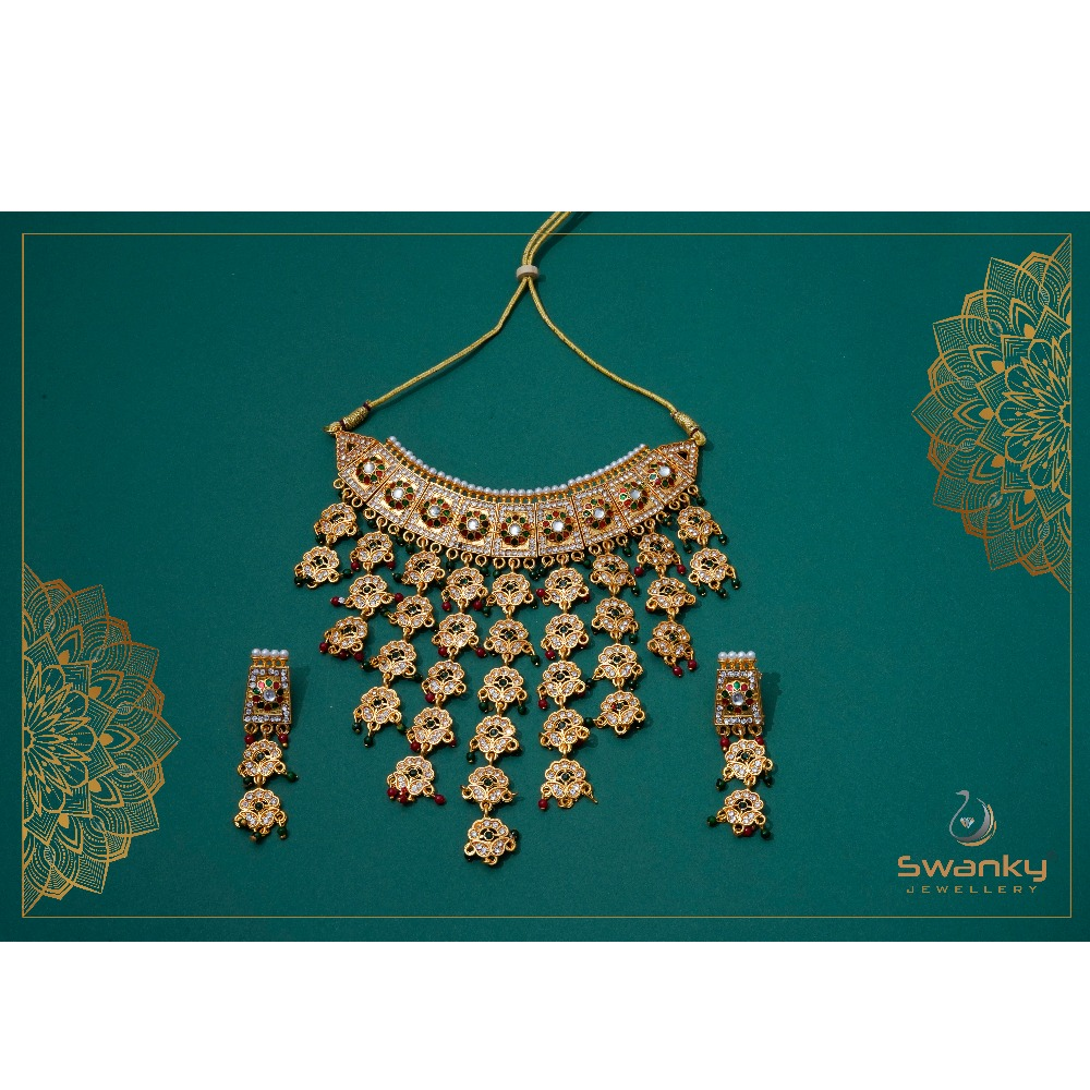 Attractive necklace set with colorful beads & chatons