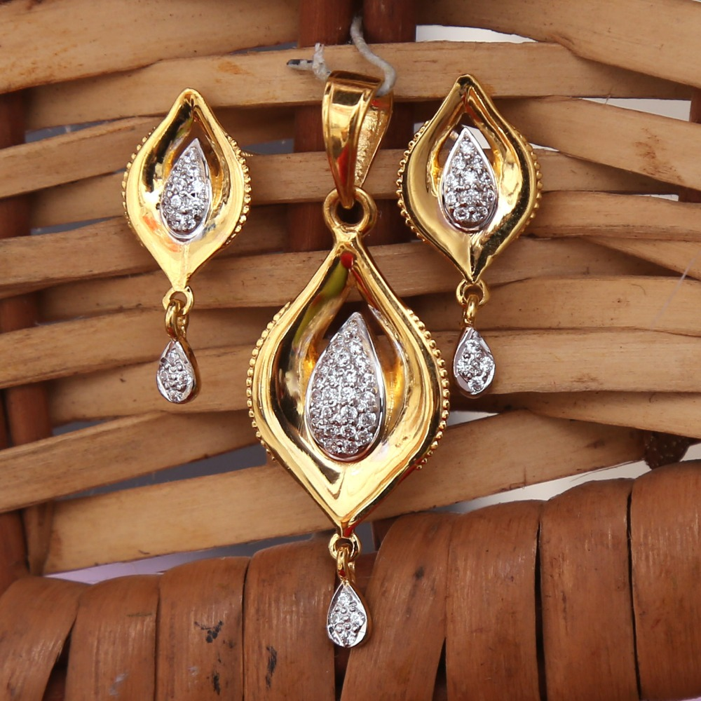 916 GOLD CZ DAIMOND PENDANT SET