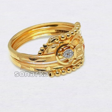 Fancy Gold Ring Hollow Pipe Enamel Design for Ladies