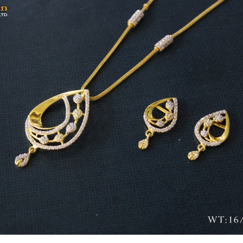 dokiya set cum mini diamond neckles set with earing