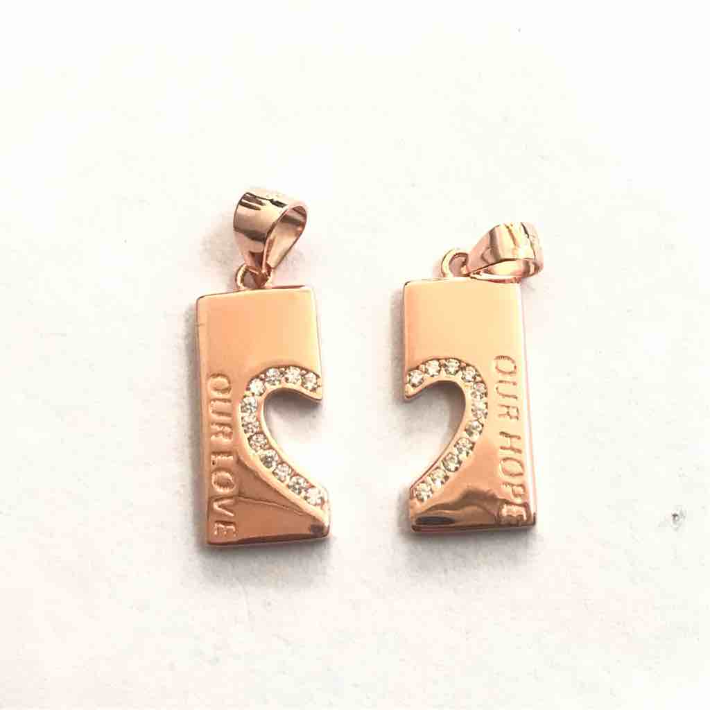 couple pendant