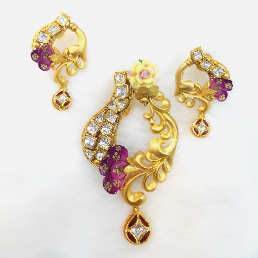 916 Gold Antique Pendant Set RHJ-5578