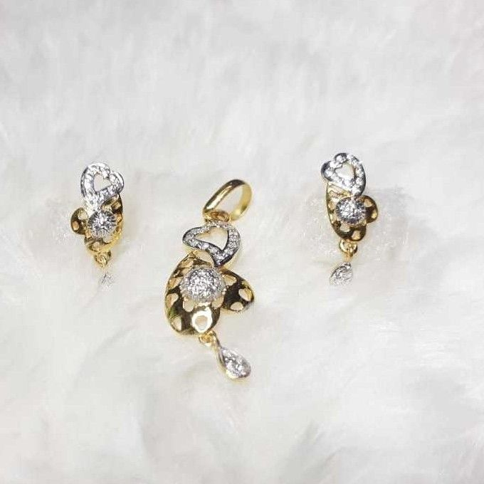 916 exclusive cz heart pendant set