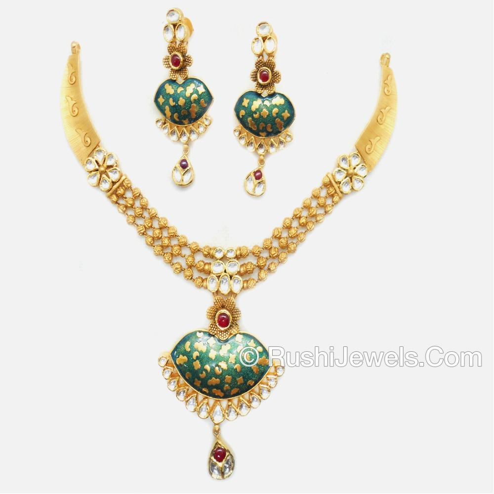 916 Gold Modern Jadtar Necklace Set
