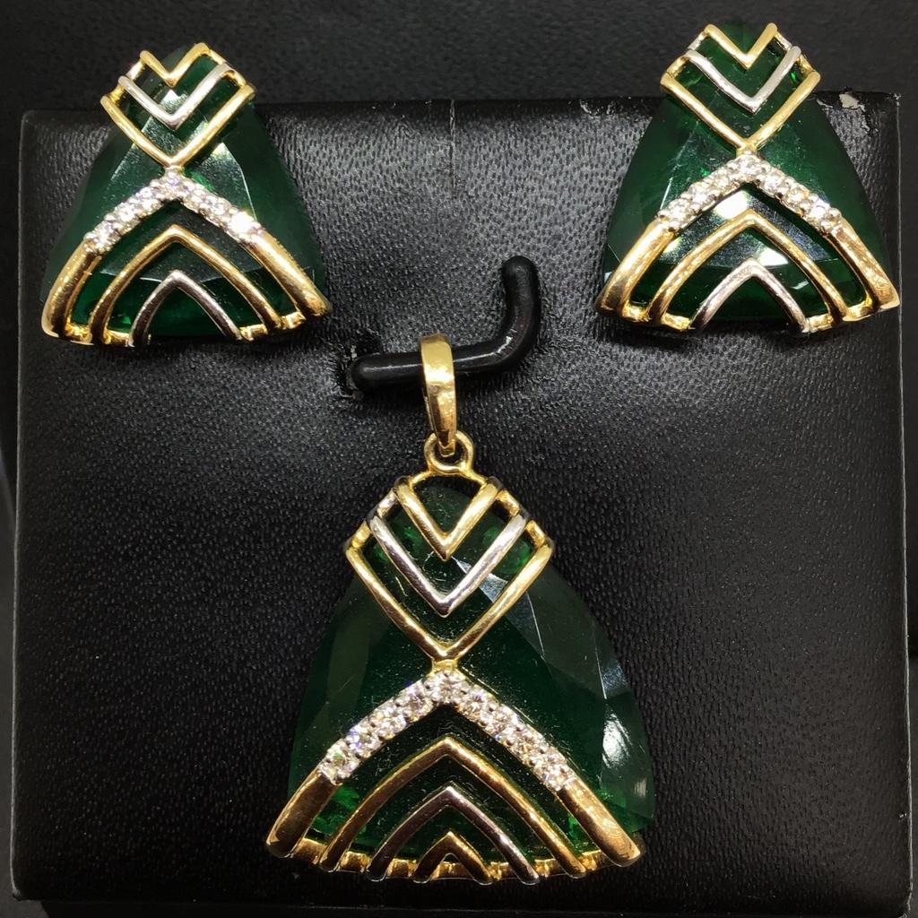 Real diamond fancy Stone pendant set