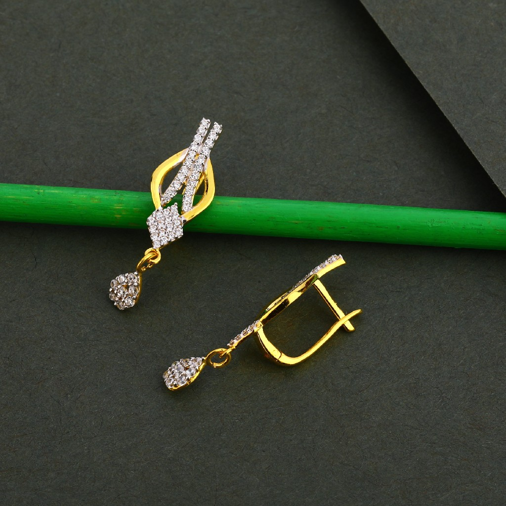 750 Gold Cz Stylish Women's Earring Bali LFB114