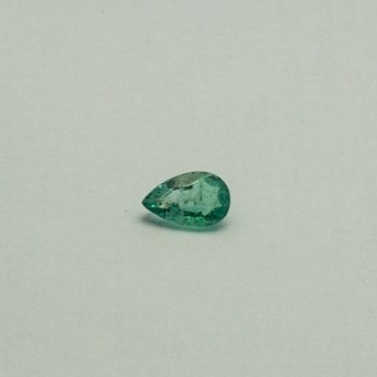 0.78ct pear green emerald-panna
