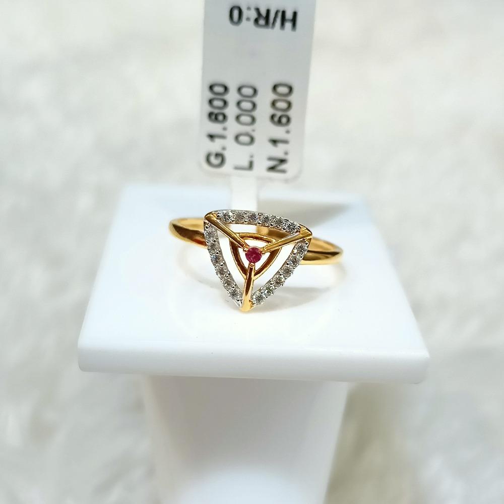 22 kt triangle shape fancy ring