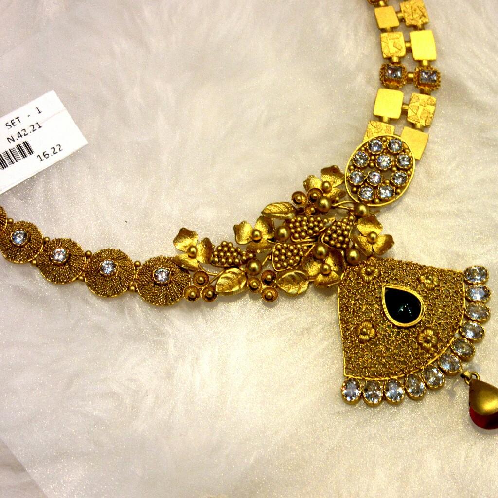 Gold Vine Design Antique Jadtar Necklace