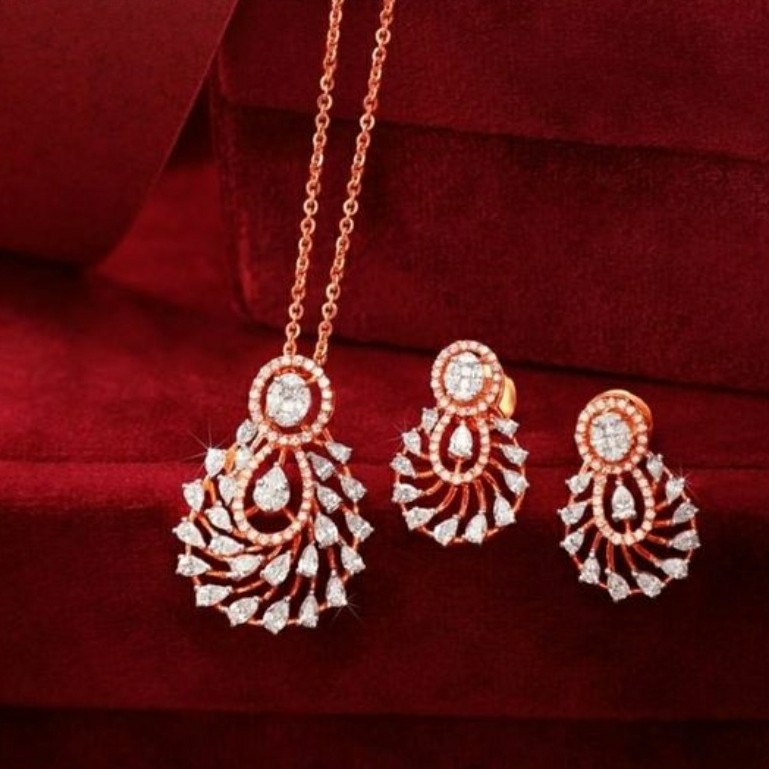 18KT Rose Gold special occasions Pendant set for Ladies PBG1001