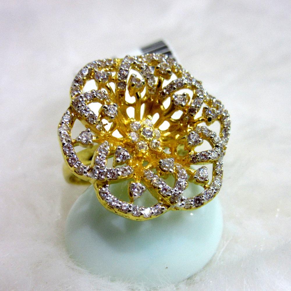 Gold hm916 designer flower diamond ring