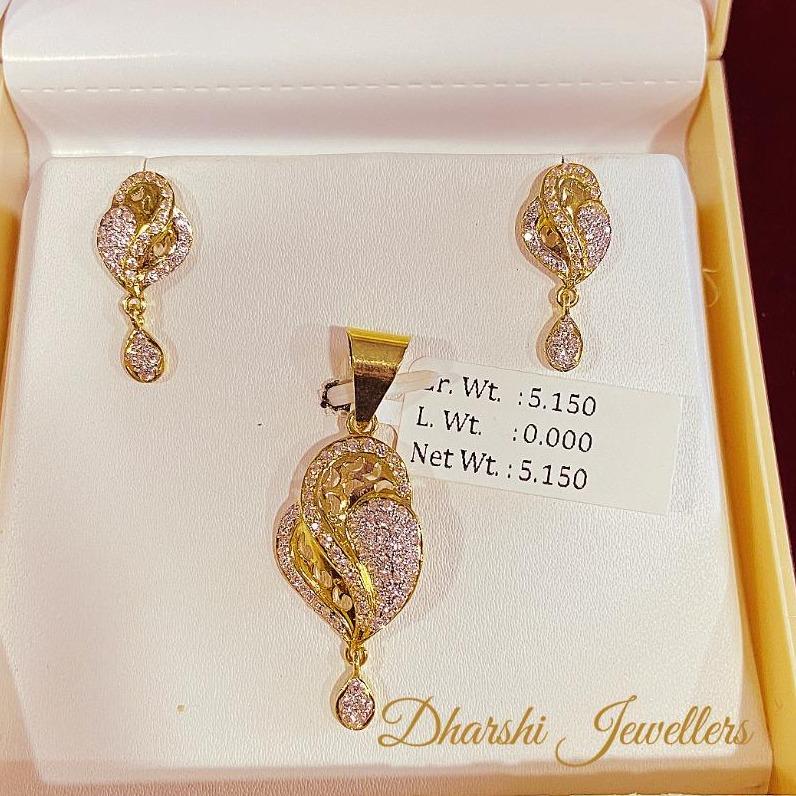 22k gold designed chain pendant set