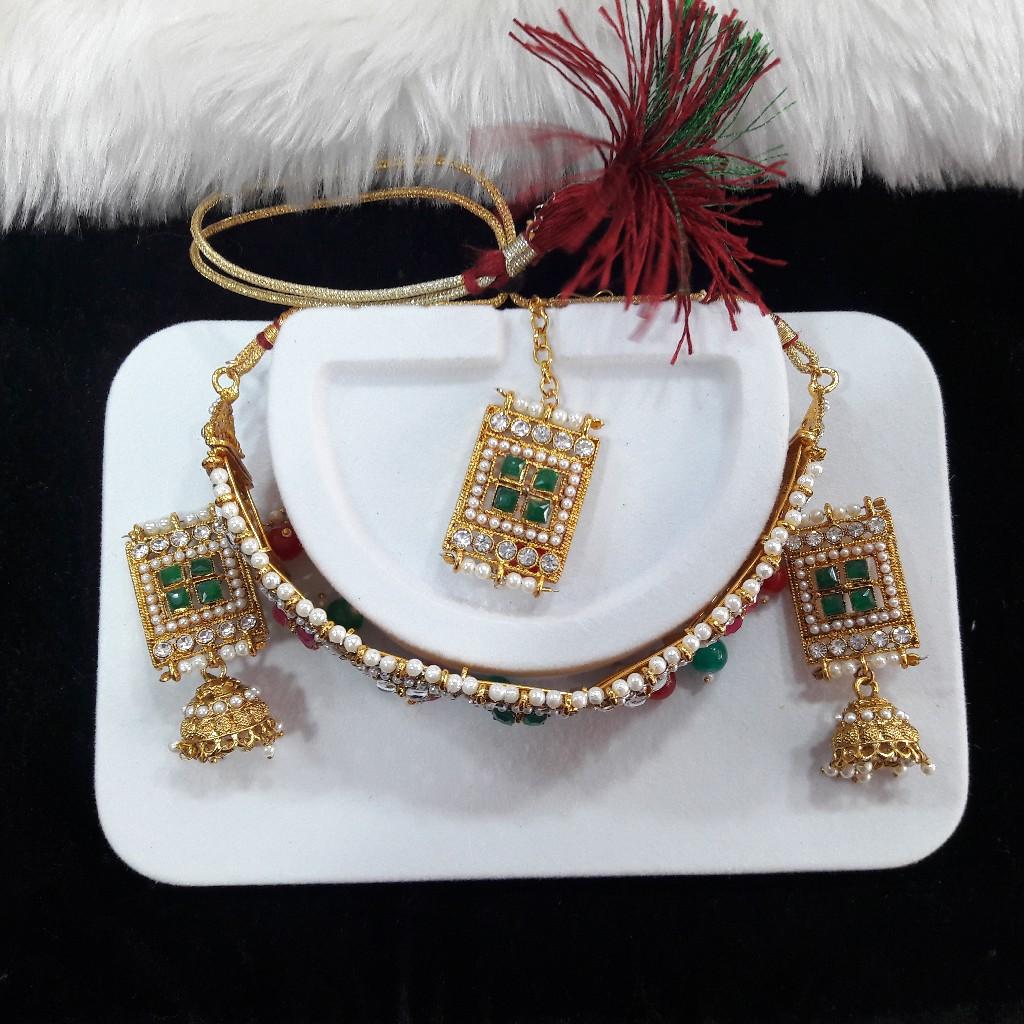 Fancy diamond necklace set