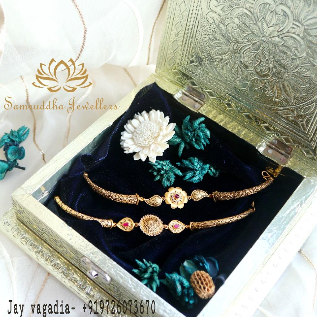 916 Gold Antique Flower Design Ladies kada