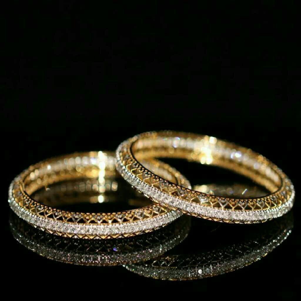 18KT Plain Yellow Gold Designer Diamond Bangle