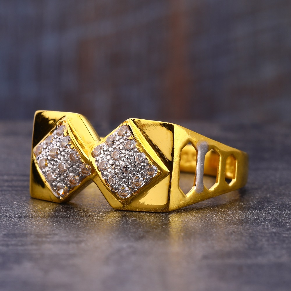 916 Gold  stylish Hallmark CZ Men's  Ring MR735