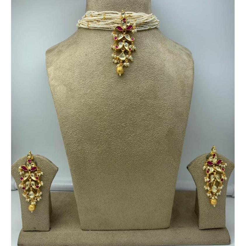 Exclusive Kundan Necklace Set