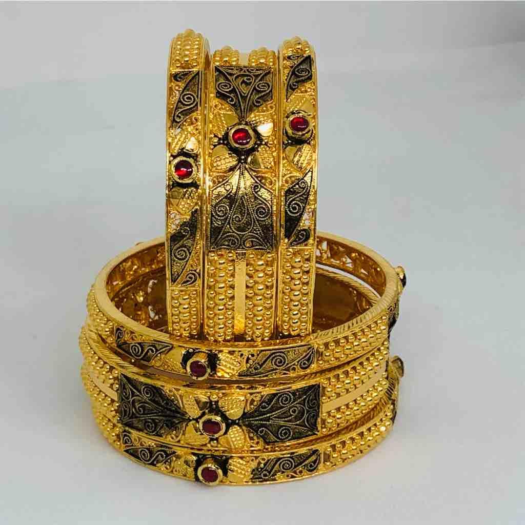 22kt 916 exclusive antique bangle
