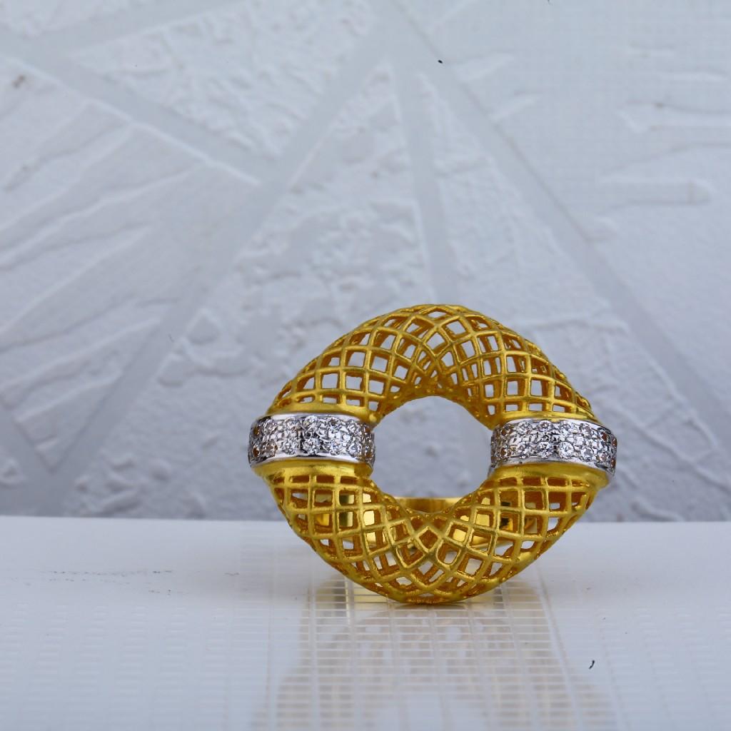 18ct Gold Hallmark Italian Ring LIR59