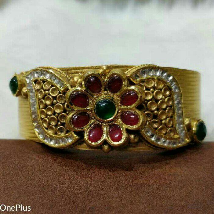 22K/916 Gold Antique Bangle
