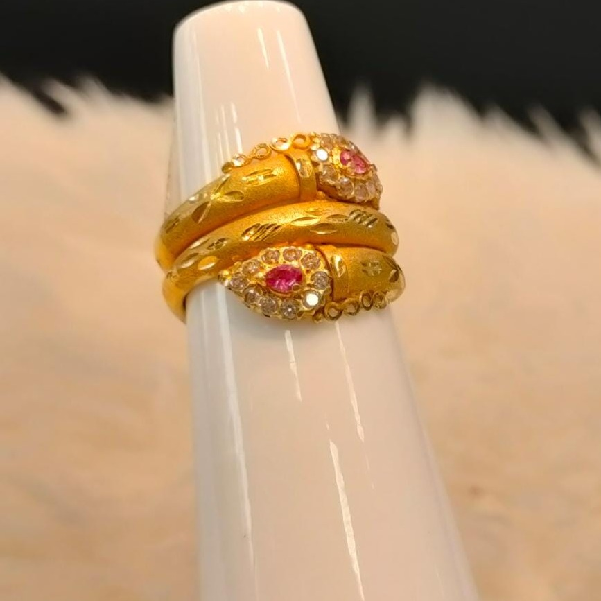 916 Gold Fancy Pink Stone Ring