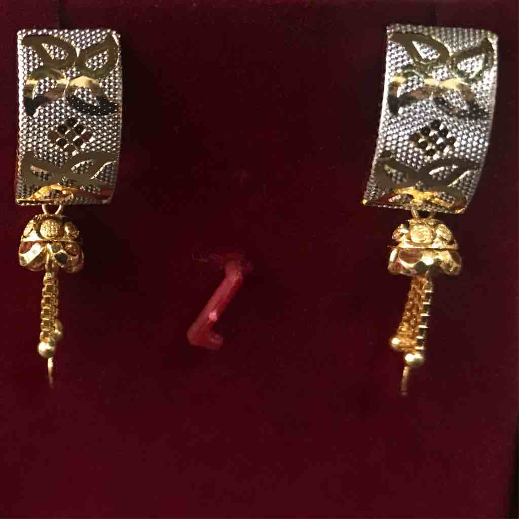 22 ct gold fancy earrings with rhodium