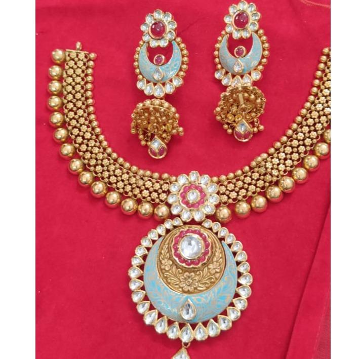 916 Gold Hallmark Fancy Antique Necklace set
