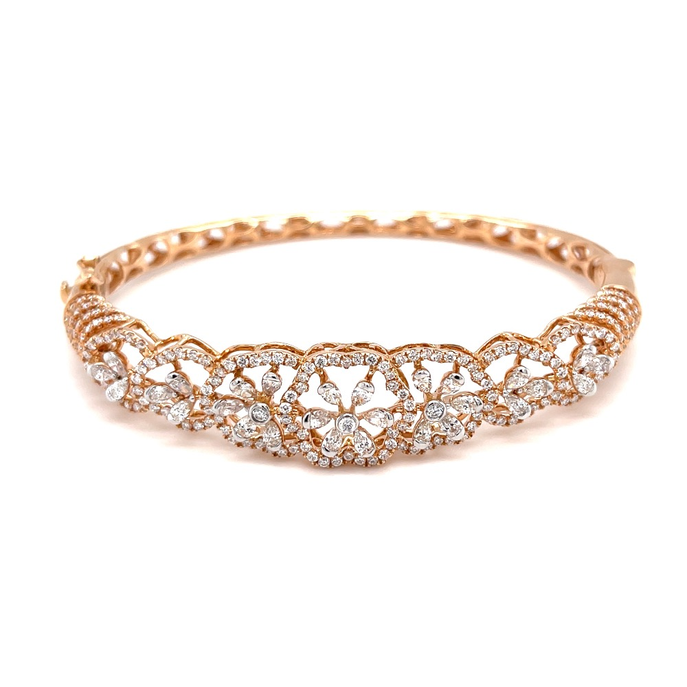 Einzigartig diamond bracelet with pear shape diamonds