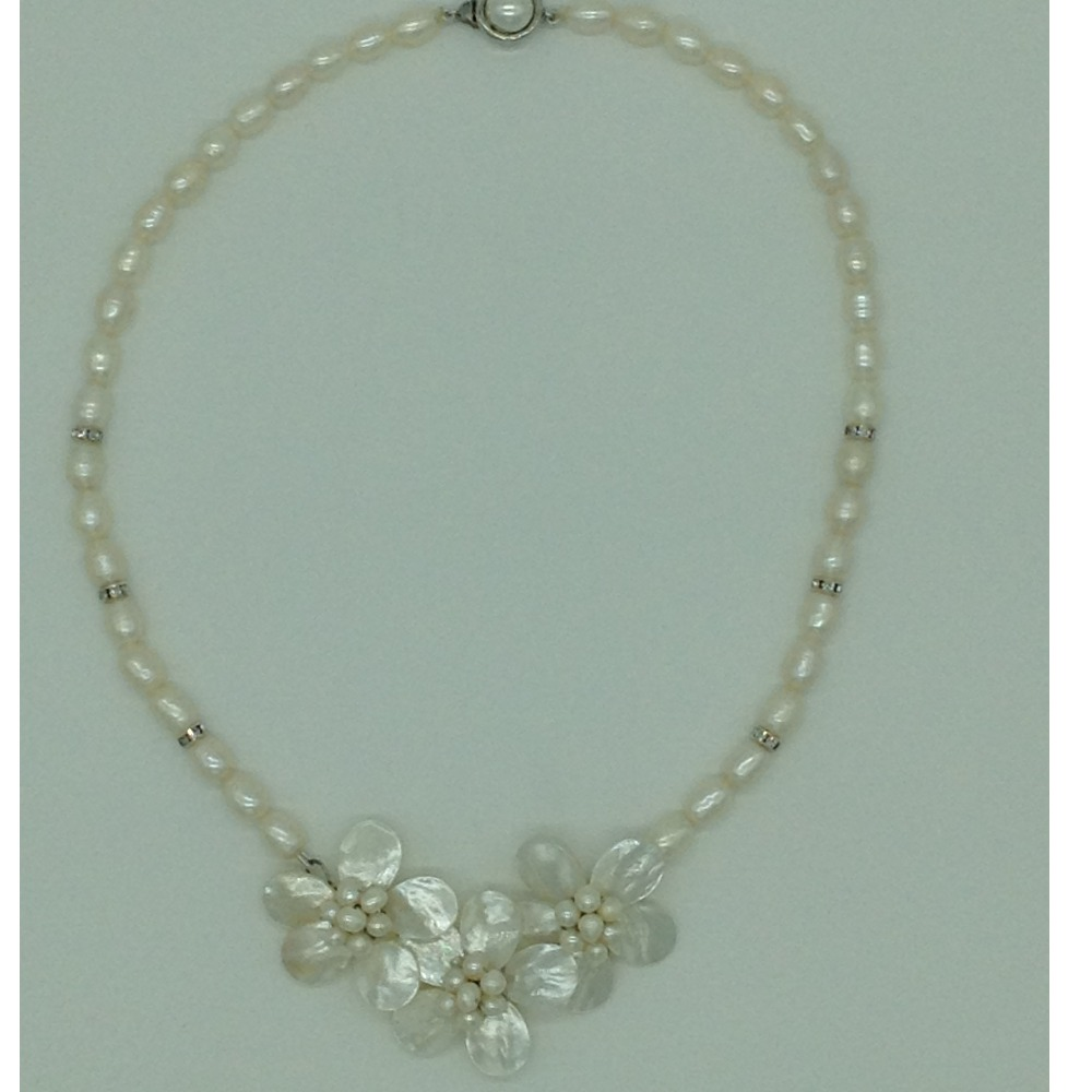 Freshwater White OvalPearls And MOP FlowersNecklace Set JPP1061