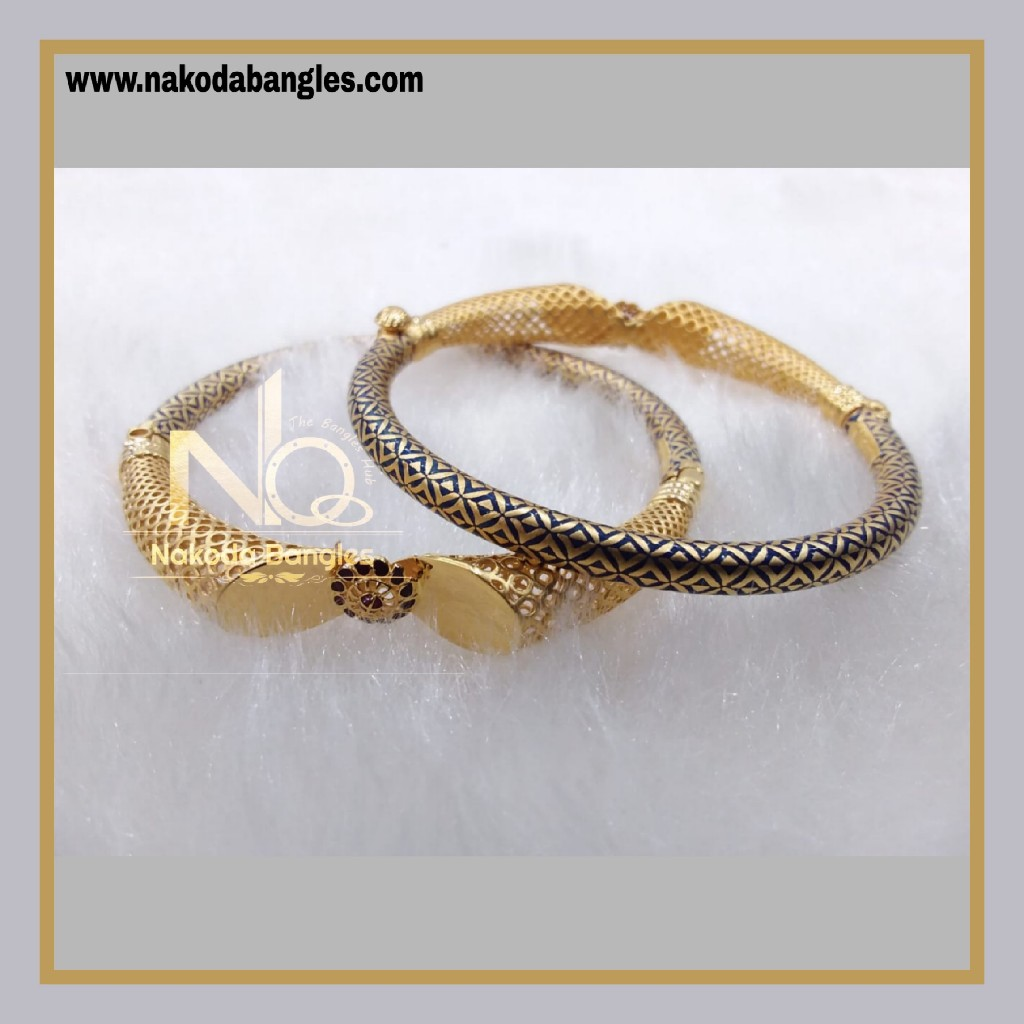 916 Gold Pipe Bangles NB - 884