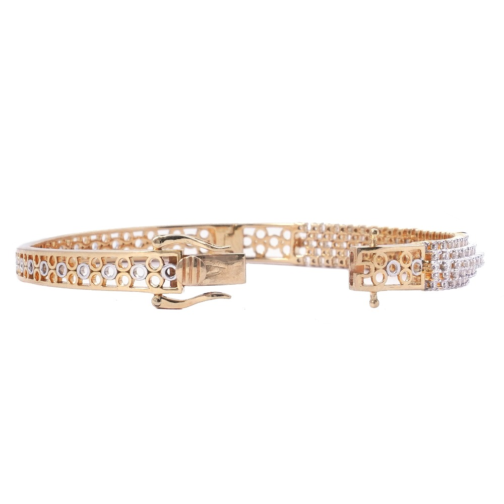 916 Gold Stylish Bracelet