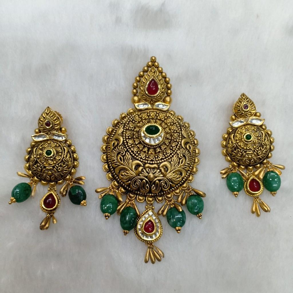 22k antique pendant set