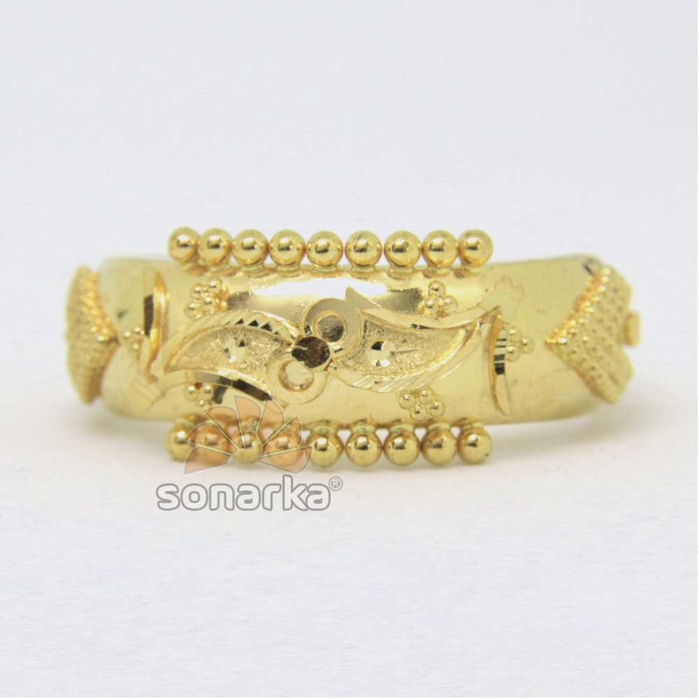 22kt 916 Yellow Gold Ladies Ring Indian Classic Design