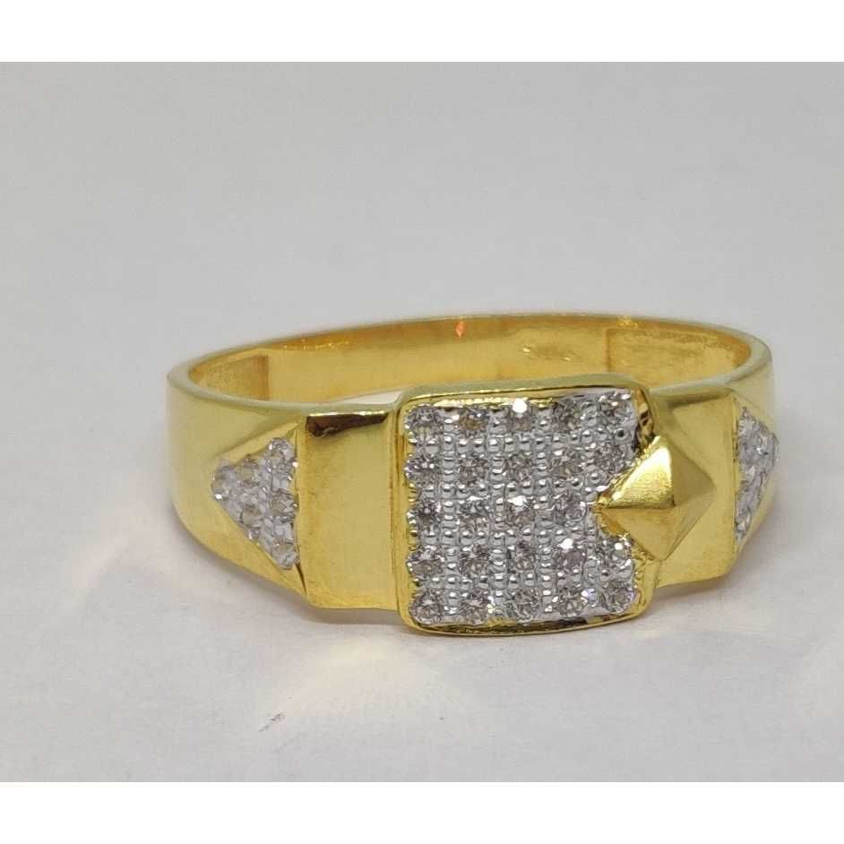916 Gents Fancy Gold Ring Gr-28637