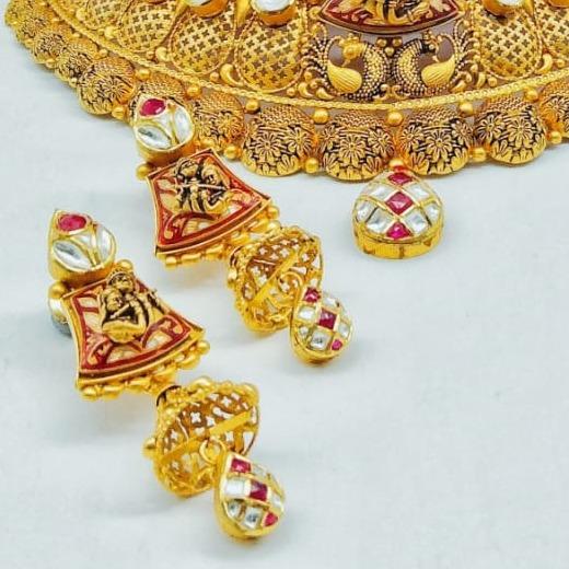 916 Gold Chokar Set